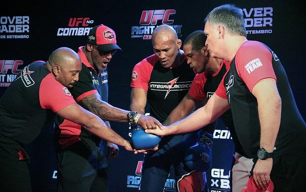 Jacaré treino aberto UFC Belo Horizonte (Foto: Rodrigo Malinverni)