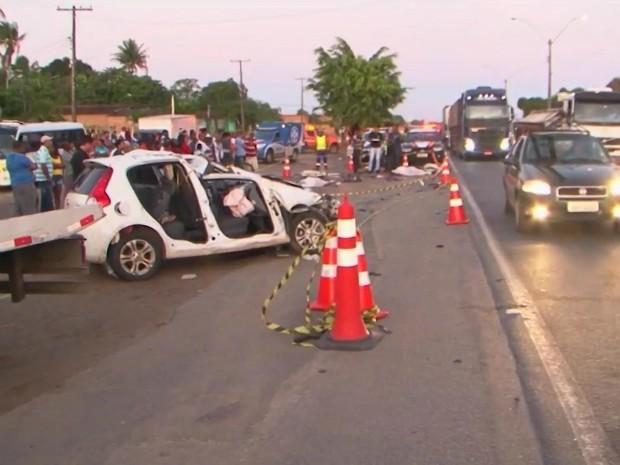 Aciudente ocorrewu na tarde desta segunda, na altura de Amélia Rodrigues (Foto: Reprodução/TV Subaé)