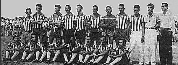 Time do Cotinguiba campeão em 1942, Tirso era o treinador (Foto: Arquivo Pessoal/Cotinguiba)