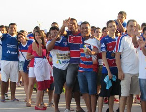 torcida, fortaleza, festa, Castelão, fumaça (Foto: Juscelino Filho)