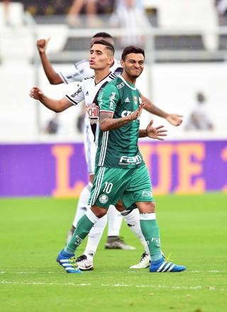 Ponte Preta x Palmeiras Ravanelli Cleiton Xavier (Foto: Marcos Ribolli)
