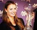 Na véspera de prova em Söelden, Tina Maze recebe prêmio de melhor do ano