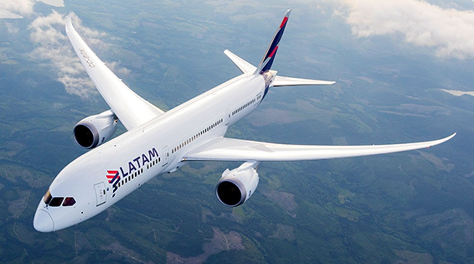 Avião - Latam (Foto: Reprodução/Facebook)
