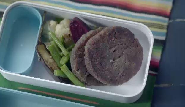 Hambrguer de lentilha e cenoura (Foto: Reproduo)