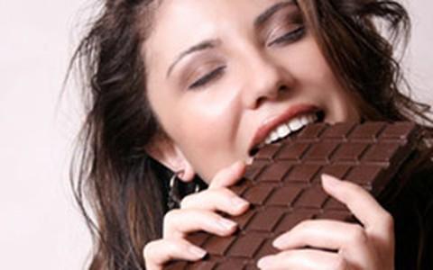 Chocolate: pequena quantidade, todos os dias, pode ajudar a emagrecer
