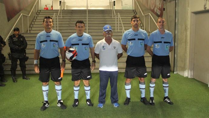 Caio Max Augusto Vieira árbitro (Foto: Fabiano de Oliveira/GloboEsporte.com)