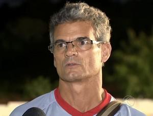 Eugênio Souza técnico Tombense Série D 2014 (Foto: Reprodução/TV Integração)