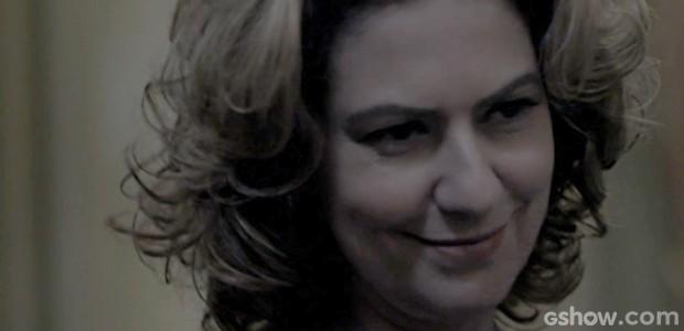 Homem misterioso tenta matar Angela (Foto: O Rebu / TV Globo)