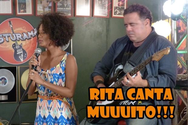 Rita cantando (Foto: Malhação / TV Globo)