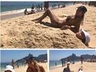 Ticiane Pinheiro exibe corpão em praia com Rafa Justus 'enterrada' na areia