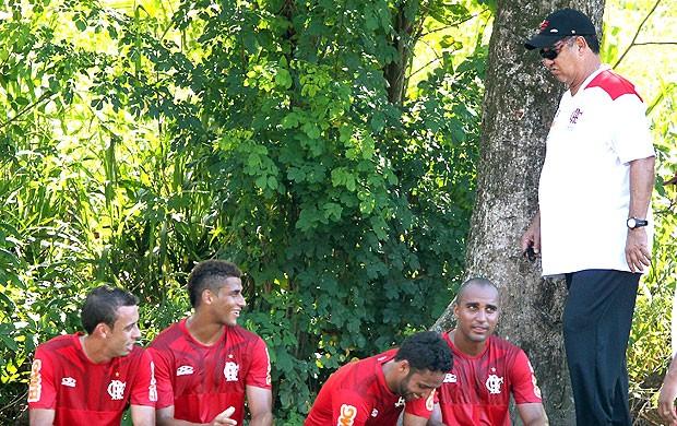 Ibson e Joel Santana no treino do Flamengo (Foto: Ivo Gonzalez / Agencia O Globo)