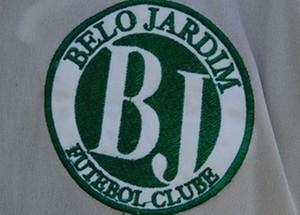 escudo belo jardim (Foto: Tiago Medeiros / GloboEsporte.com)