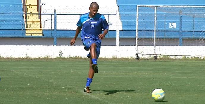 Léo, meia do Rio Claro na Copa SP 2015 (Foto: Paulo Chiari/EPTV)