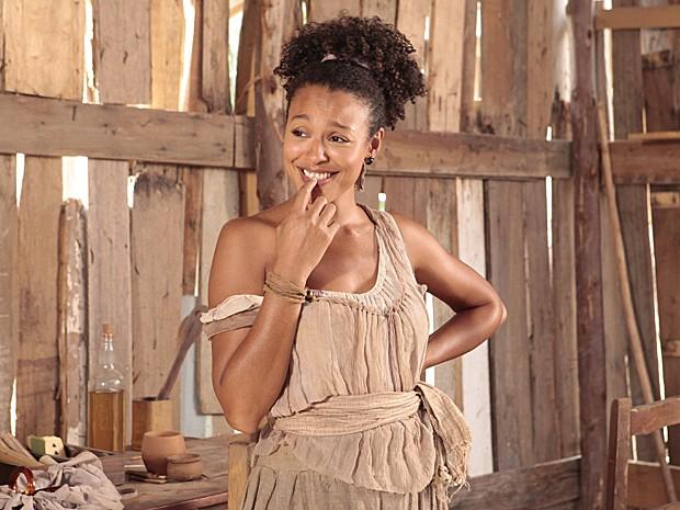 Berenice está sempre armando para prejudicar Isabel (Foto: Lado a Lado / TV Globo)