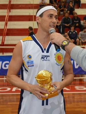 Armador Fúlvio São José Basquete (Foto: Danilo Sardinha/Globoesporte.com)