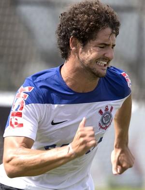 Pato no treino do Corinthians (Foto: Daniel Augusto Jr. / Agência Corinthians)