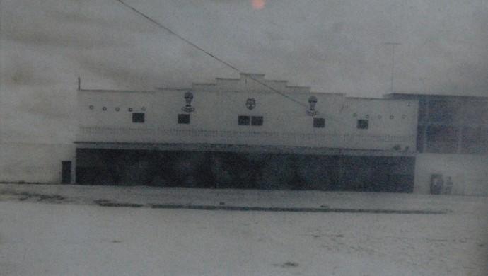 Fachada do Estádio Municipal Plínio Lemos, em Campina Grande (Foto: Acervo / Blog Retalhos Históricos CG)