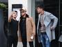 Neymar é clicado todo estiloso pelas ruas de Londres e posa com fã