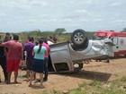 Motorista bate em caminhão, capota carro e fica ferido em rodovia de PE