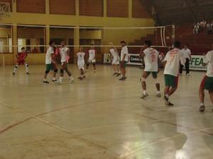 Campeonato Acreano de Vôlei Infanto-Juvenil no ginásio Álvaro Dantas (Foto: Divulgação/Feav)