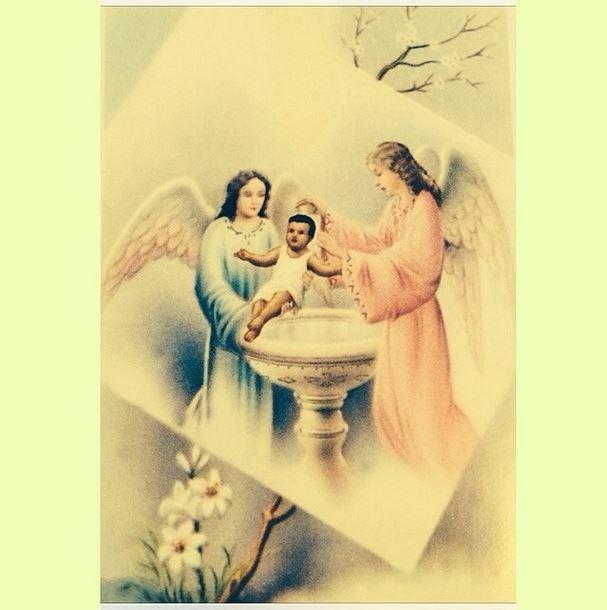 ego regina casé mostra santinho do batizado do filho pintei o