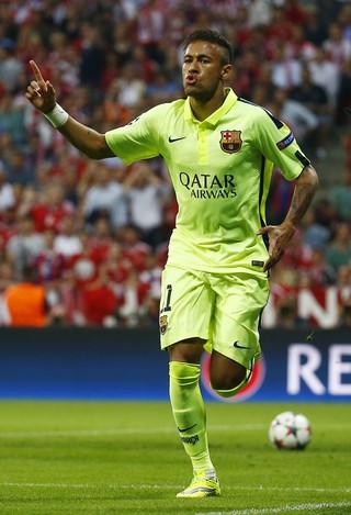 Neymar - Bayern x Barcelona (Foto: Reuters)