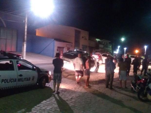 Criminosos invadiram agência Bradesco em Bom Jesus na madrugada desta sexta-feira (25) (Foto: PM / Divulgação)