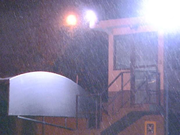 Chuva forte atingiu Campinas na noite de terça-feira, dia 17 de novembro (Foto: Reprodução EPTV)