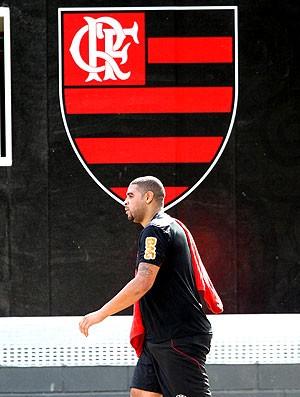 Adriano no treino do Flamengo (Foto: Cezar Loureiro / Agência O Globo)