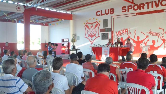 Roberval Davino é apresentado no Estádio João Hora (Foto: Felipe Martins/GloboEsporte.com)