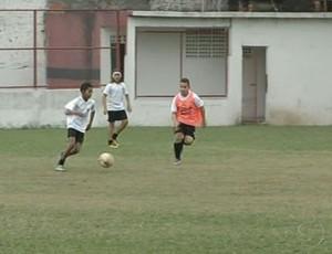 Santos inaugura escolinha em Volta Redonda. (Foto: Reprodução/TV Rio Sul)