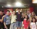 De férias nos EUA, ginastas do Brasil têm jantar com Kaká em churrascaria