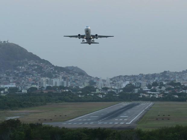 G1 - Empreiteiras abrem 5 mil vagas para obras em portos e aeroporto ... 904eeb24e9a08