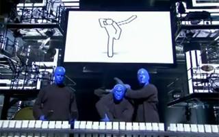 Blue Man Group ajudou a criar a orquestra com sons robóticos (Foto: Divulgação / Reprodução)