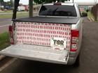 Maços de cigarros contrabandeados são apreendidos em caminhonete