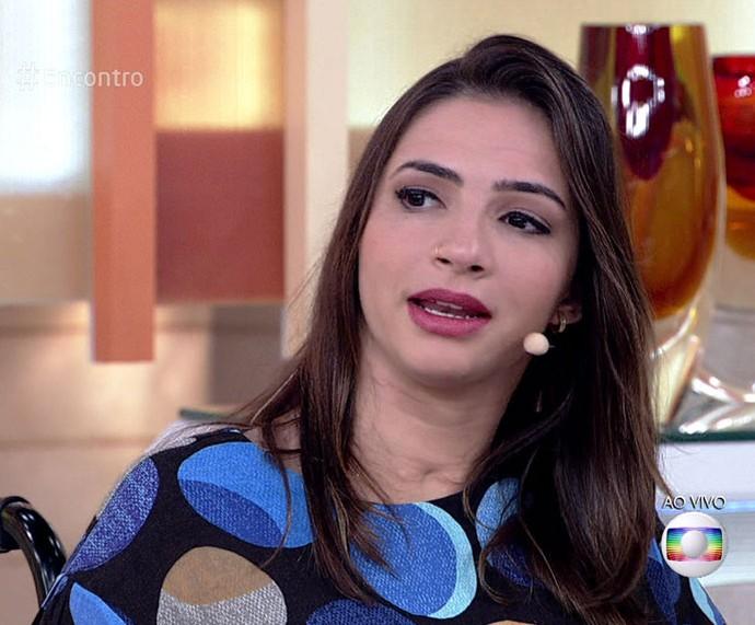 Lais Souza participa do 'Encontro' e revela detalhes do seu tratamento (Foto: TV Globo)