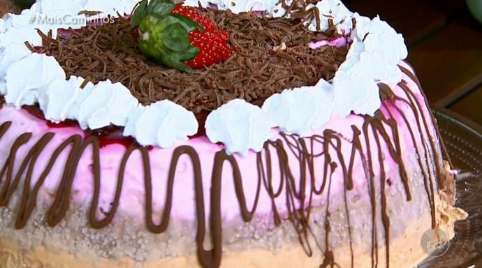 Torta de sorvete para refrescar no verão (Foto: reprodução EPTV)