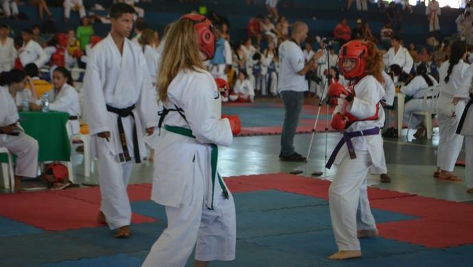 544 atletas participaram da copa que decidiu os campeões do campeonato rondoniense de interestilos da Ferki (Foto: Pâmela Fernandes)