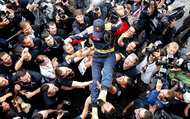 Vettel na festa da STR (Foto: Divulgação)