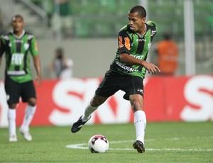Leandro Ferreira não teve nenhum problema mais sério (Foto: Divulgação / Site Oficial do América-MG)