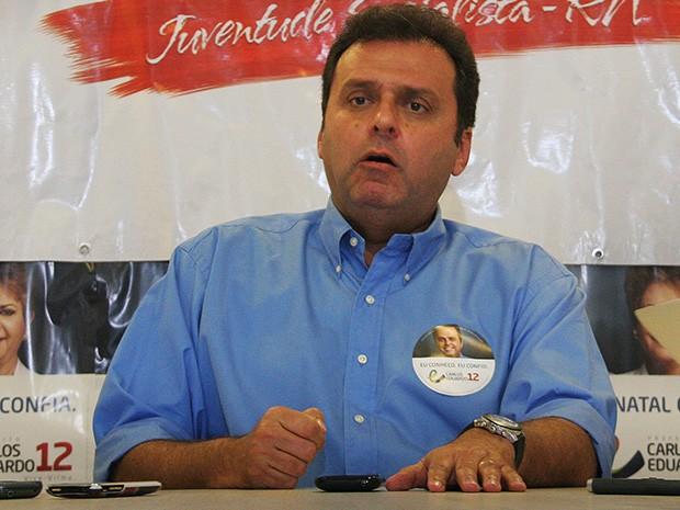 Carlos Eduardo diz não aceitar voto da adversária Micarla de Sousa (Foto: Alex Regis/Cedida)