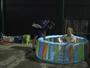 Parceiro de Nasr usa piscina infantil para driblar forte calor de Cingapura