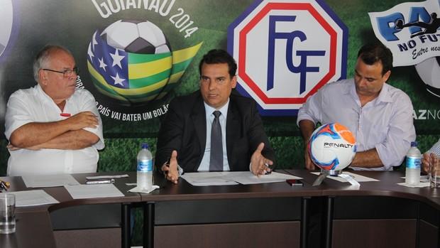 Conselho técnico do Campeonato Goiano 2014 (Foto: Fernando Vasconcelos/Globoesporte.com)