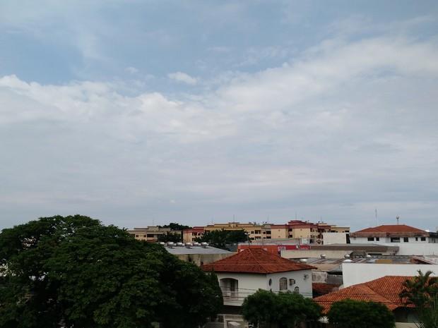 Céu de Campo Grande na tarde deste domingo (20) (Foto: Adriel Mattos/G1 MS)