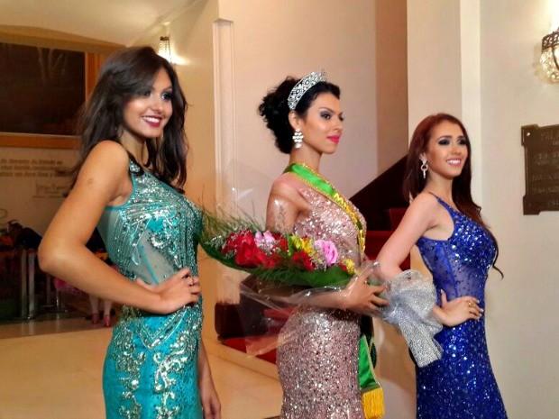 Maxine venceu outras nove candidatas em evento ocorrido na noite do sábado (4), em Rio Branco (Foto: Hellen Monteiro/G1)