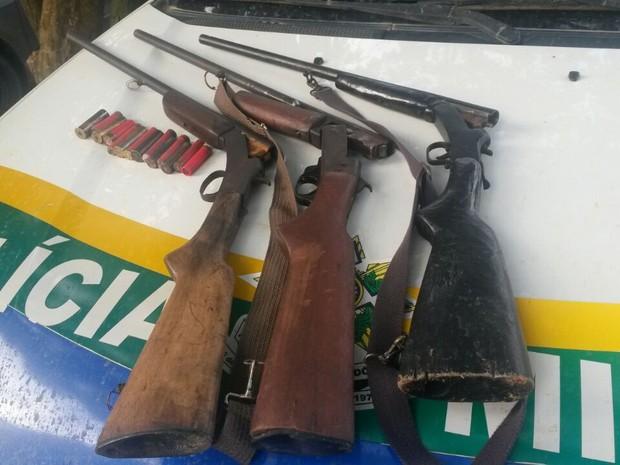 Suspeitos alegaram que se perderam na mata enquanto caçavam (Foto: Alerta Notícias/Reprodução)