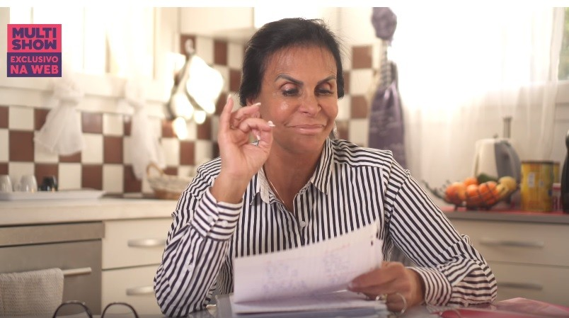 Gretchen ataca de professora de francs na nova websrie do Multishow no YouTube (Foto: Divulgao/Multishow)
