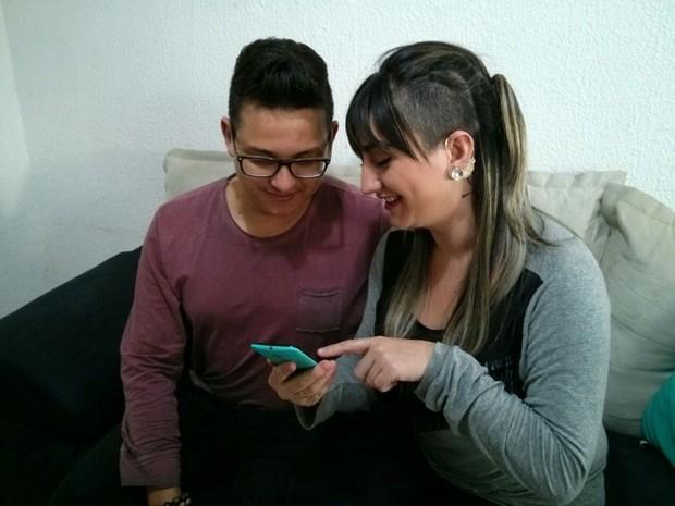 Casal de Itapetininga aderiu o compartilhamento de informações (Foto: Cláudio Nascimento/TV TEM)