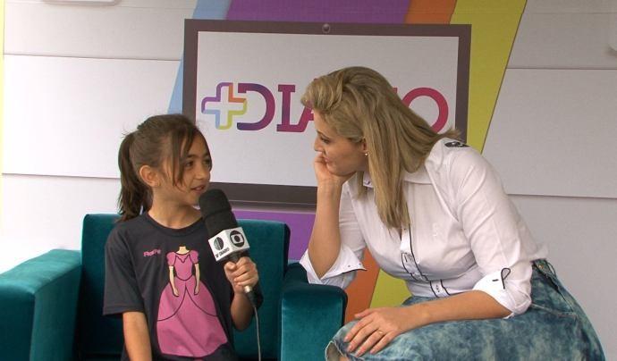 Crianças são apresentadores por um dia no Mais Diário (Foto: Reprodução / TV Diário)
