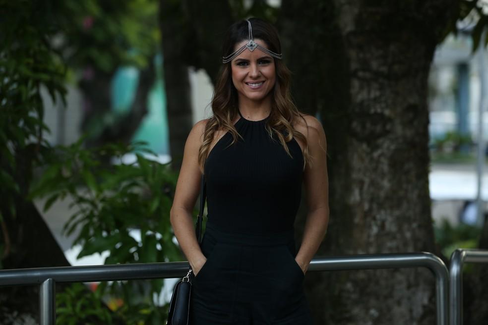 Marisa Melo, a professora Ana, não fica de fora da confraternização (Foto: Isabella Pinheiro/Gshow)